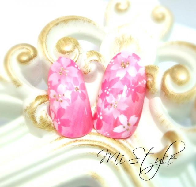 満開の桜ネイル